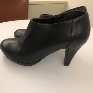 Cynthia Rowley Black Shoetie 8